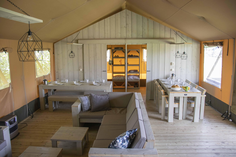 AN6 Medley Lodge(2).jpg (1.10 MB)